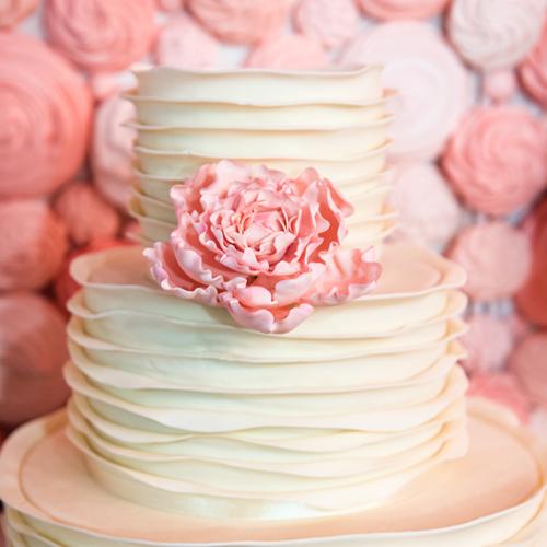 Gâteau de mariage rose à Montréal